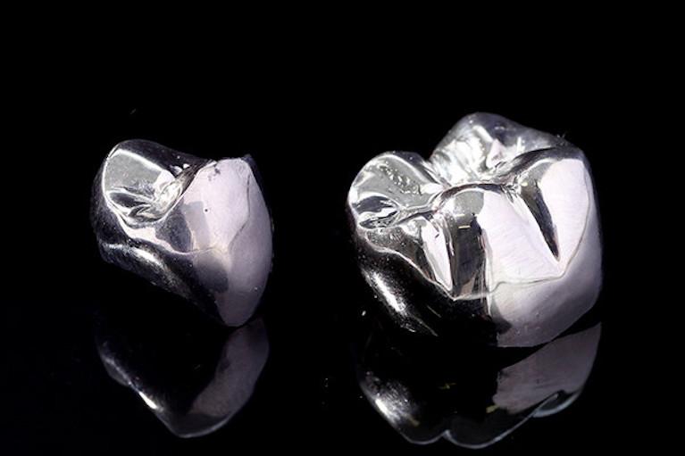 銀メタルクラウン